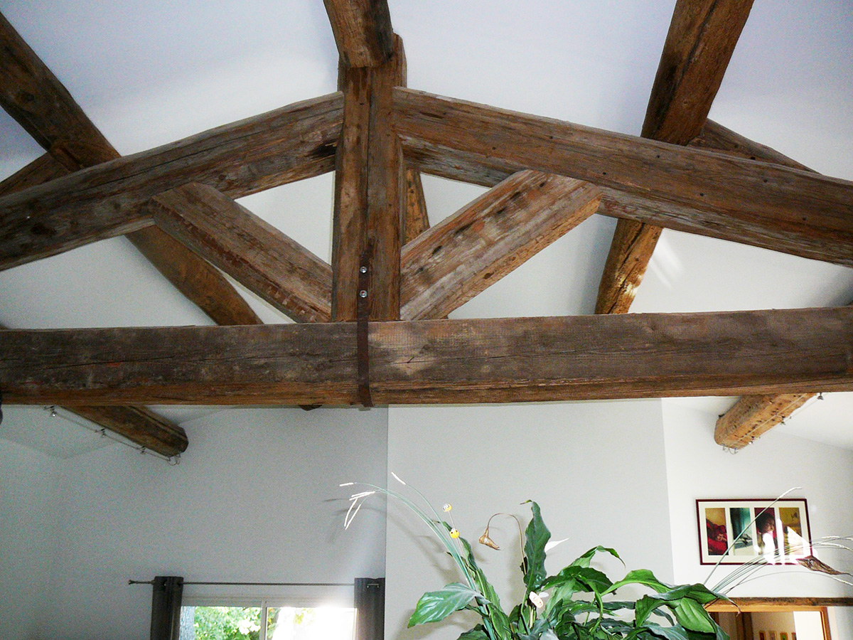 charpente traditionnelle apparente. Black Bedroom Furniture Sets. Home Design Ideas